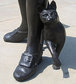 Fig. 2 Trim with Matthew Flinders, standing together on a street corner in Donington, Lincolnshire, Flinders' birthplace: statue by Judith Holmes Drewry, erected 2006.